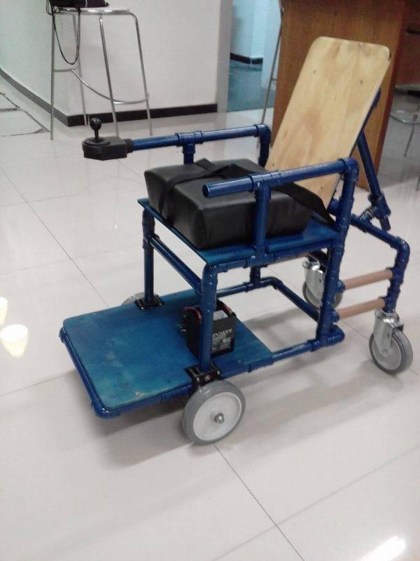 juicysantos.com.br - Cadeira de rodas de recicláveis