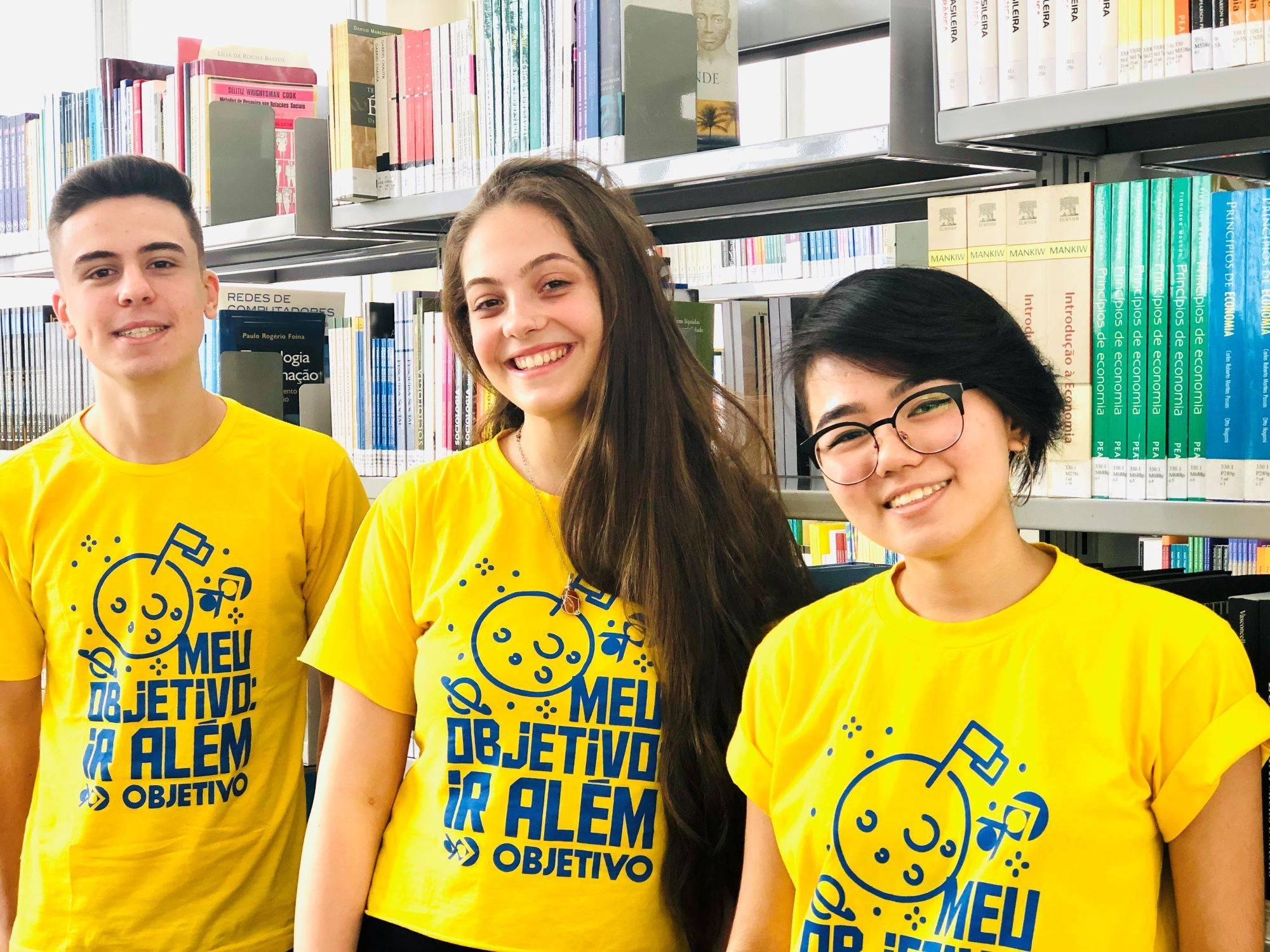 www.juicysantos.com.br - ruben, agatha e gabriela contam histórias de sucesso no vestibular