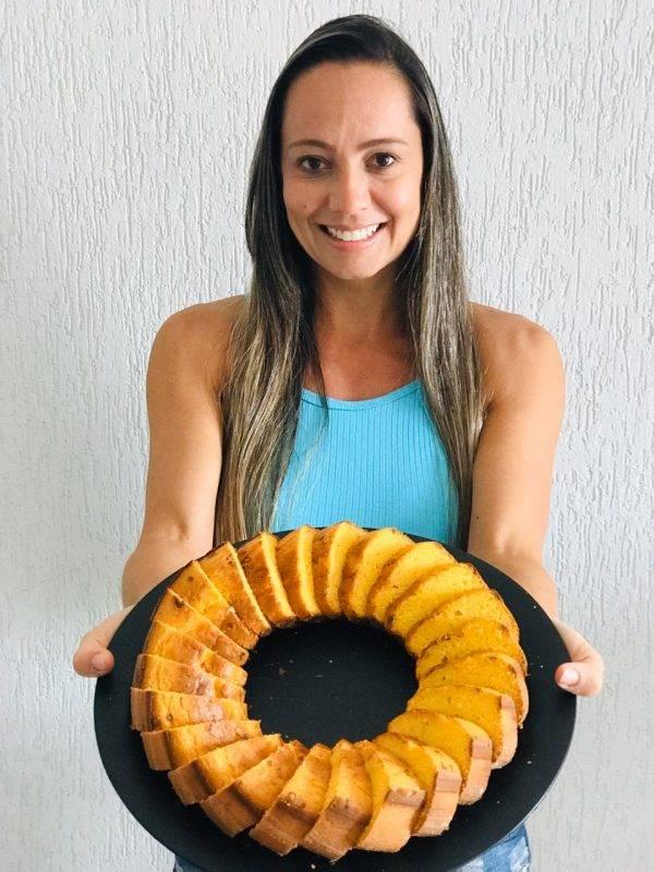 juicysantos.com.br - moradora de PG distribui bolos em hospitais