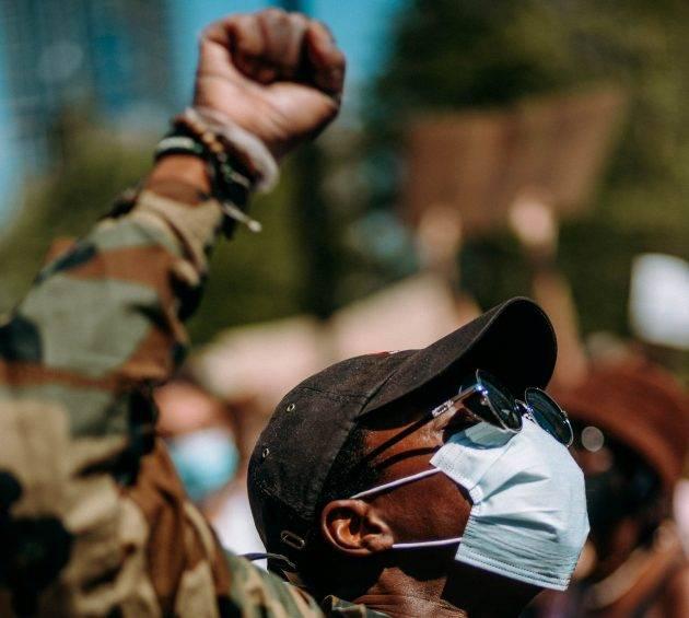 www.juicysantos.com.br - privilégio branco o que é e como combater