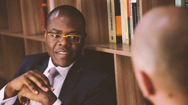 www.juicysantos.com.br - silvio almeida fala sobre racismo estrutural