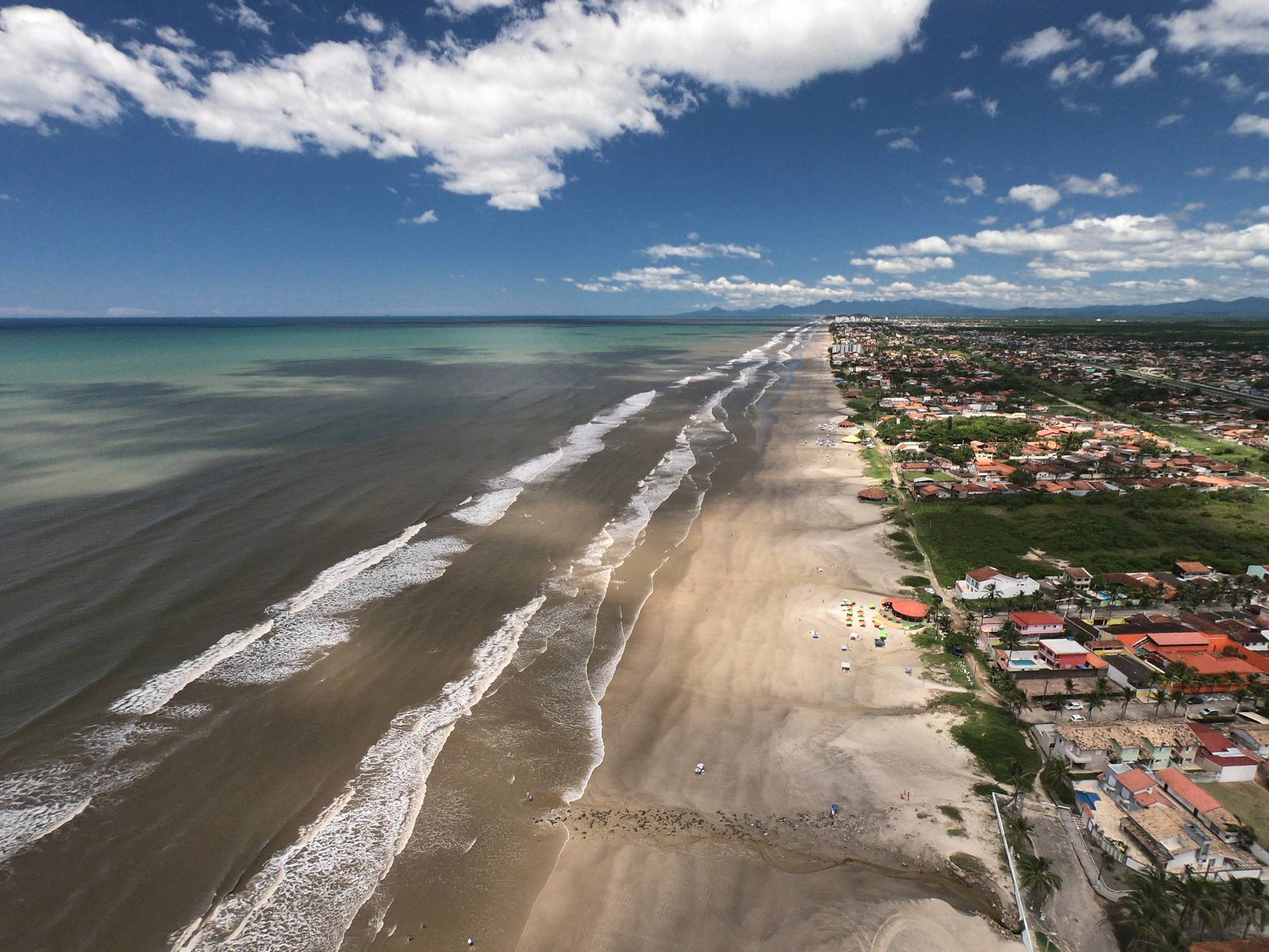 www.juicysantos.com.br - itanhaém vista aérea viagens pós-pandemia