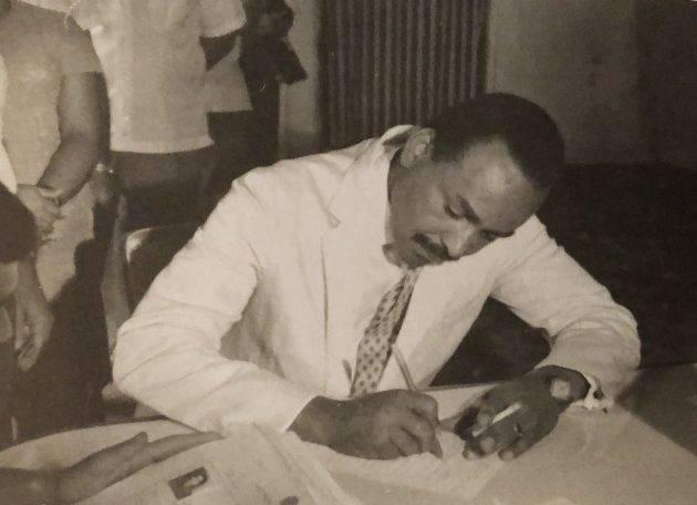 www.juicysantos.com.br - esmeraldo tarquinio foi prefeito de santos mas nunca assumiu pois foi cassado pela ditadura militar
