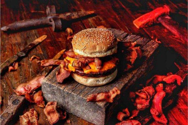 juicysantos.com.br - Pratos com porco x peixe em Santos