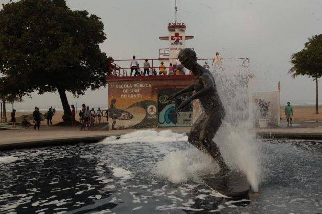 juicysantos.com.br - Escola Pública de Surfe